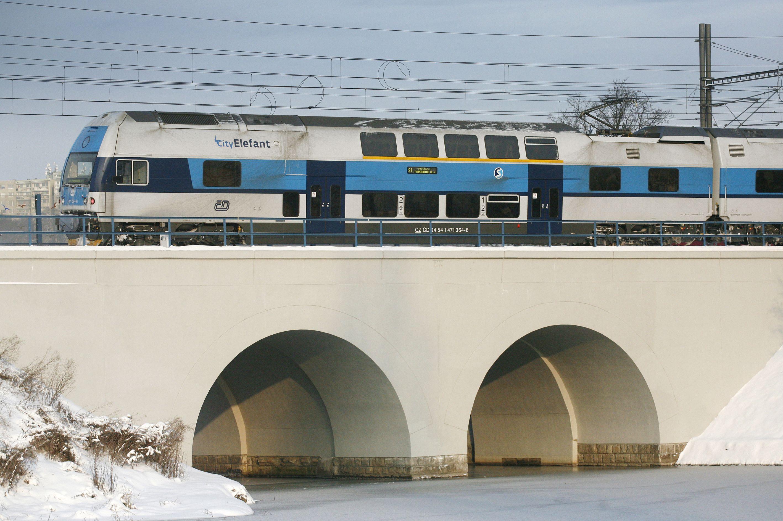 Příměstská železnice kolem Prahy je bezpečným způsobem dopravy