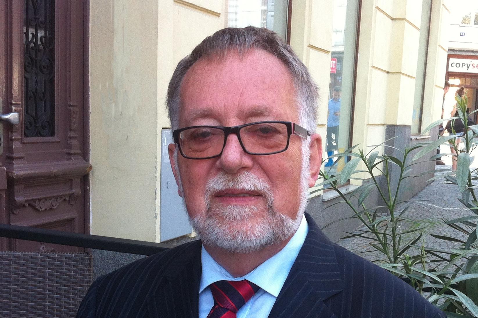 Jaroslav Bašta: Demokracie (a demokraté) na penzi